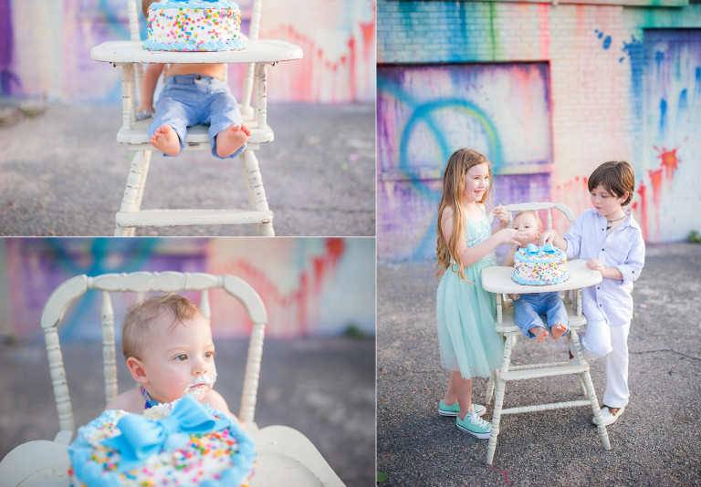 Photography of a sibling smash cake session in Houston Texas.